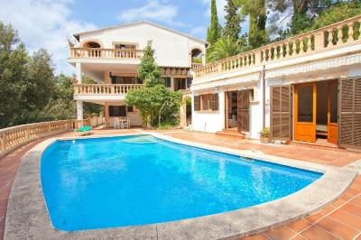 Beautiful villa with many extras close to the sea in Mal Pas-Bonaire, Mallorca