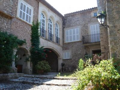 Stunning Manor House for sale in the mountains near Lluc, Mallorca