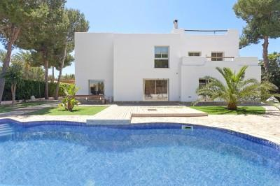 Villa for sale in exclusive area of Sol de Mallorca