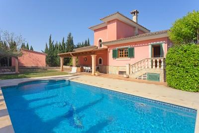 Lovely country home for sale close to the village in Biniali, Mallorca