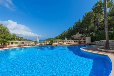 Apartment with sea views in sought after area of Bendinat, Mallorca