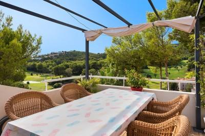 Practical penthouse for sale in a sough after area of Bendinat, Mallorca