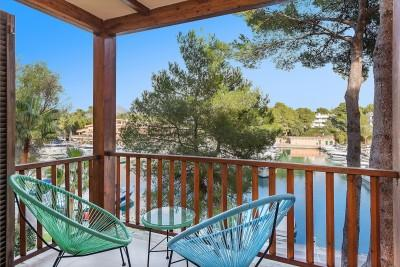 Refurbished frontline apartment for sale in Santa Ponsa, Mallorca