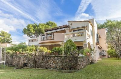 Spacious villa within residential community for sale in Santa Ponsa, Mallorca