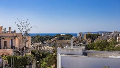 Modern, spacious townhouse in quiet location for sale in Palma, Mallorca