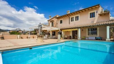 House with wonderful views of the mountains and golf for sale in Palma, Mallorca
