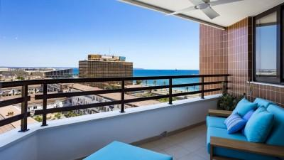 Renovated apartment with sea views for sale in Palma, Mallorca