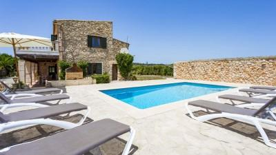 Wonderful stone-built country home for sale in Sineu, Mallorca