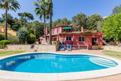 Mediterranean style villa with guest accommodation for sale in Bendinat, Calviá, Mallorca