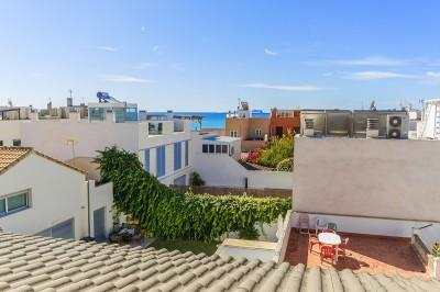 Townhouse on second sea line for sale in Molinar, Palma, Mallorca