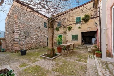 Country mansion for sale in the north of Andratx, Mallorca