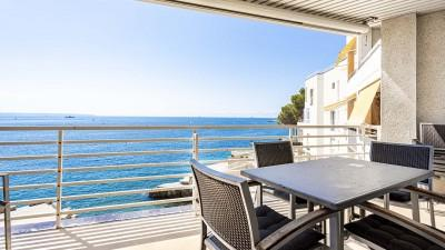 Seafront duplex apartment for sale in Illetas, Mallorca