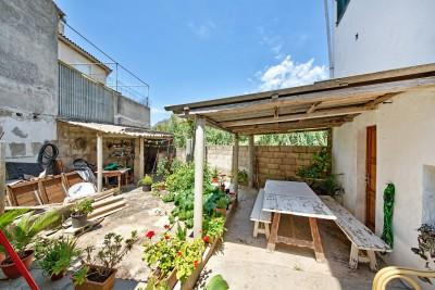 Ground floor apartment with patio for sale in Pollensa, Mallorca