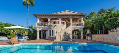 Mediterranean villa for sale near the golf course in Santa Ponsa, Mallorca