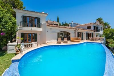 Renovated villa with sea views for sale in Santa Ponsa, Mallorca