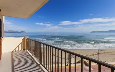 Seafront apartment for sale in Can Picafort, Mallorca