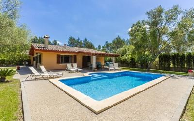 Charming villa with swimming pool and ETV licence for sale in Crestatx, Pollensa