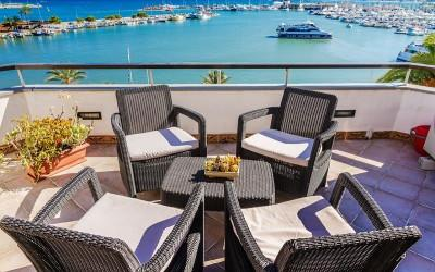 Frontline penthouse apartment for sale in Puerto Alcudia, Mallorca