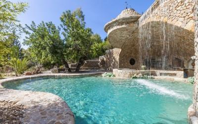 Stone finca with guest house and huge plot for sale in Port Alcudia, Mallorca