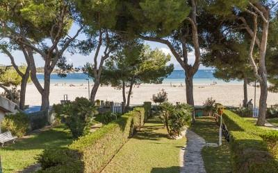 Superb sea front apartment for sale in Puerto Alcudia, Mallorca