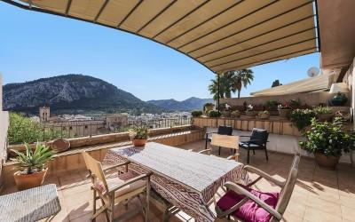Town house with views for sale in Pollensa, Mallorca
