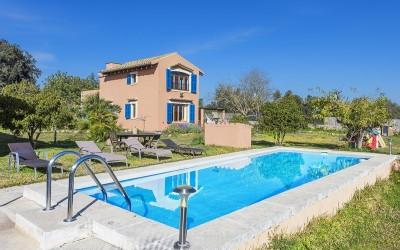 Rustic country house for sale near Llubí, Mallorca