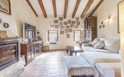 Delightful town house for sale in Pollensa, Mallorca