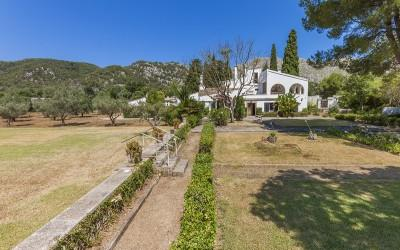 Country house to reform for sale, near Pollensa, Mallorca