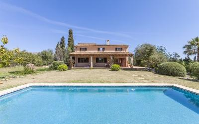 Lovely country house for sale very close to Pollensa, Mallorca