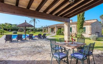 Country house with rental license for sale in Pollensa, Mallorca