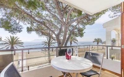 Frontline sea view penthouse apartment for sale in Puerto Pollensa, Mallorca
