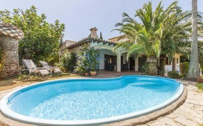 Attractive villa for sale in Bon Aire, Alcúdia, Mallorca