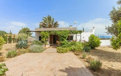 Villa with ETV rental license for sale in Santa Maria, Mallorca