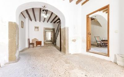 Town house for sale in the centre of Selva, Mallorca