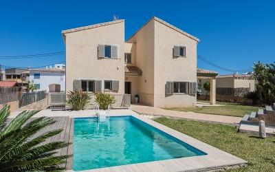 Charming house with ETV licence for sale near the beach in Barcares, Alcúdia, Mallorca