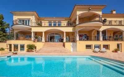 Impressive sea view villa with guest house for sale in Monport, Puerto Andratx, Mallorca