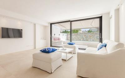 Unique opportunity: Recently reformed townhouse for sale in Molinar / Portixol, Mallorca