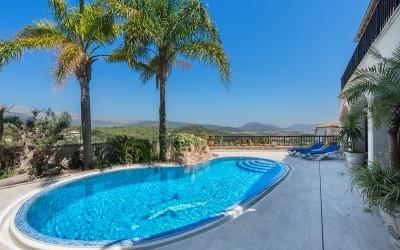 Massive villa for sale in Búger, Mallorca