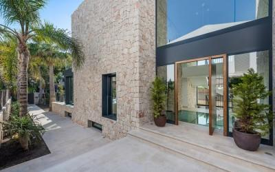 Luxury villa for sale in a popular beach area of Palma de Mallorca