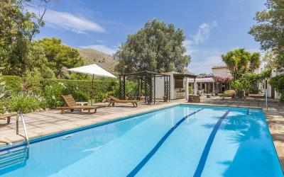 Rustic house with pool for sale in Pollensa, Mallorca