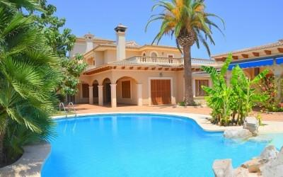 Fantastic villa surrounded by beautiful nature for sale in Sant Llorenç des Cardassar, Mallorca