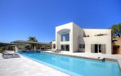 Modern finca with pool for sale in Artá, Mallorca