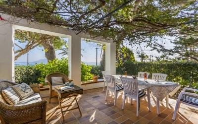 Fantastic ground floor apartment for sale in Puerto Pollensa, Mallorca