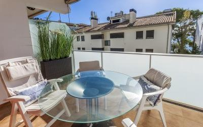 Dramatically reduced lovely two bedroom apartment for sale in Puerto Pollensa, Mallorca