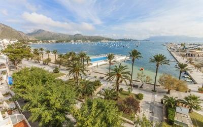 Penthouse apartment with sea views for sale in Puerto Pollensa, Mallorca