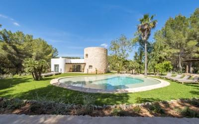 Lovely Blakstad  Villa for sale in Ibiza