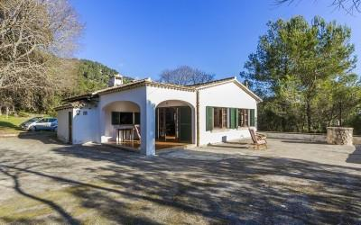 Impressive finca with two very old houses for sale in Pollensa, Mallorca