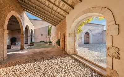 Enormous Mallorca country property with investment potential for sale in Llubi, Mallorca