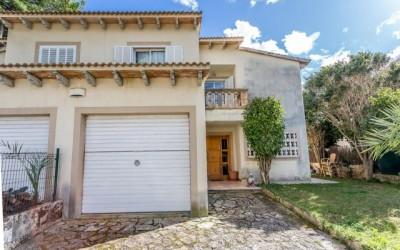 Semi-detached house for sale in Puerto Alcúdia, Mallorca
