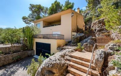 Charming house with sea views for sale in Puerto Pollensa, Mallorca